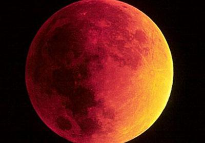 Lunas sangrientas, bulos y astrología