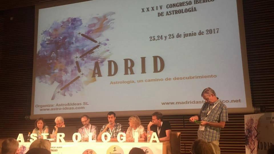 mesa-debate-madrid-astrologico-1