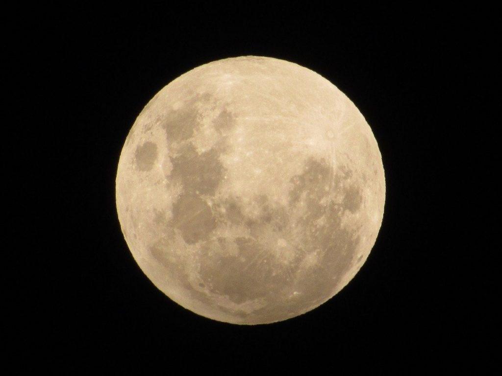 Luna Llena en Géminis 2020 y Eclipse Lunar Penumbral